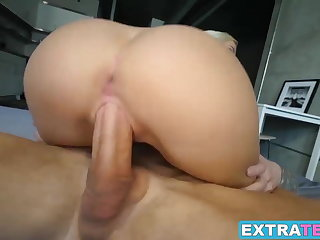 Cute Cleo Vixen gets her pussy streched by a big hard dick