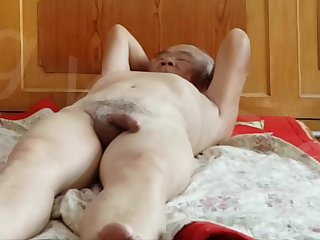 Old Chinese dude and mature Asian slut - homemade sex