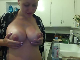 hottie pregnant wife bootie slapping in kitchen