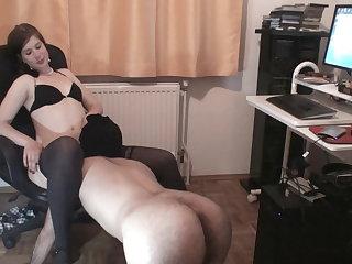 slave maskjoe have to worship goddess glorias pussy