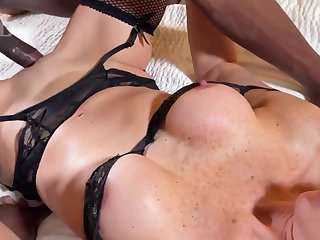 Holly Black loves interracial fuck - amateur hardcore with cumshot