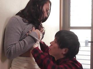 Japanese amateur mommy thrilling sex video
